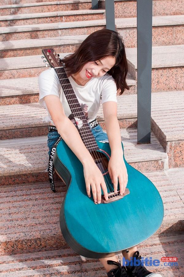 木思吉他品牌图片