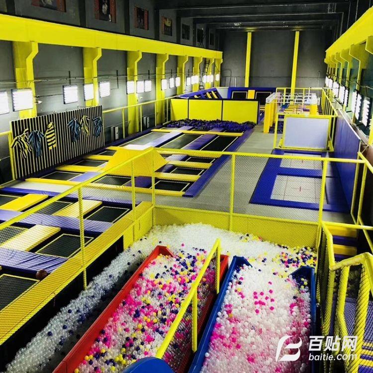 超级蹦床大型跳床网面跳跳床室内儿童游乐设备蹦床游乐公园粘粘乐图片