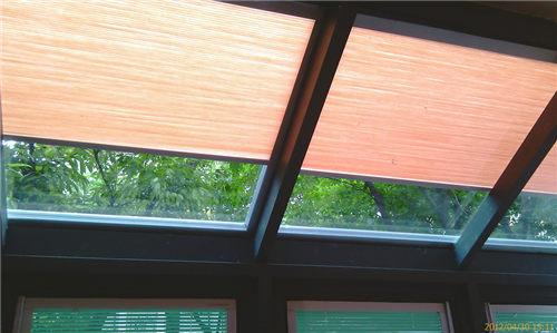 供应中空玻璃内置风琴帘天窗图片