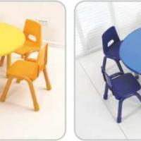 幼儿园桌椅图片