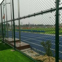 青岛球场围网体育场围栏网篮球场围栏工艺优图片